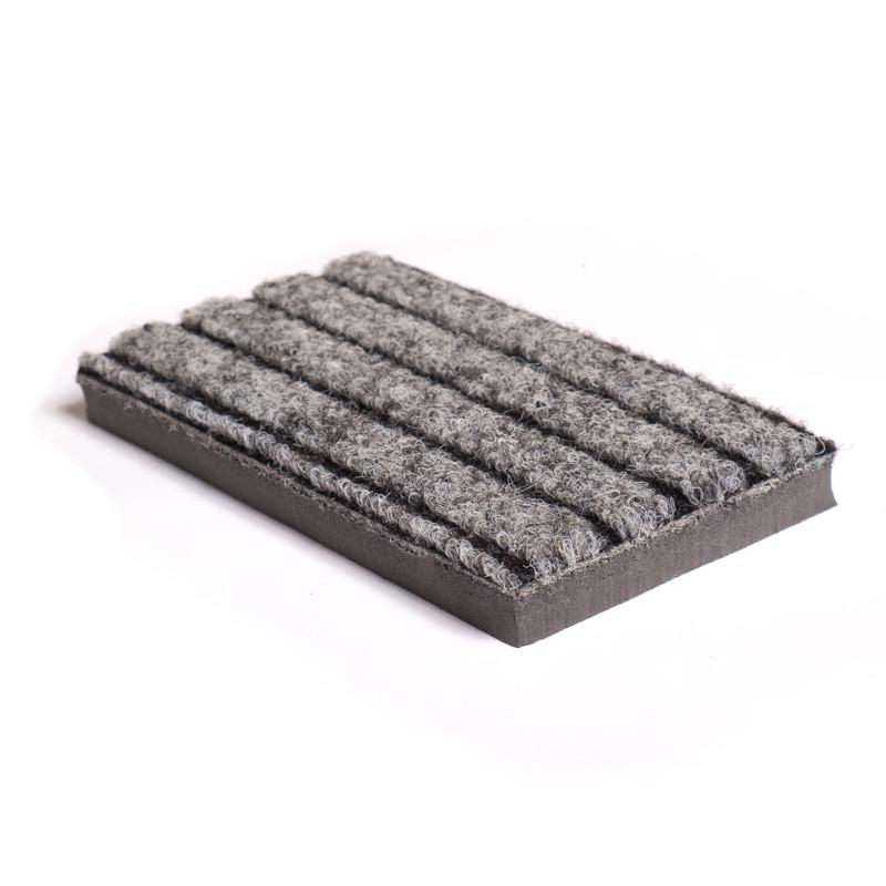 alternative au coco de couleur grise, tapis brossant.
